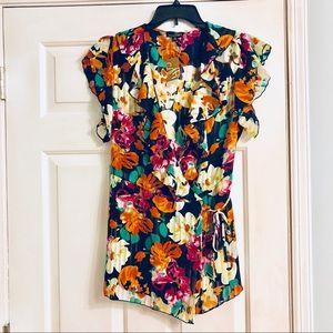 NWT Plus Size 2X Floral Wrap Top Size 18/20